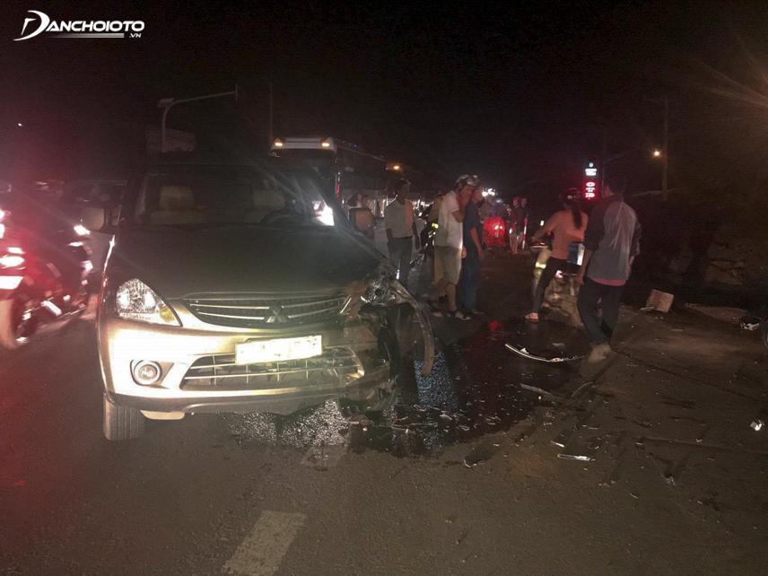 Tuyệt đối không đốt lửa khi xảy ra tai nạn ô tô