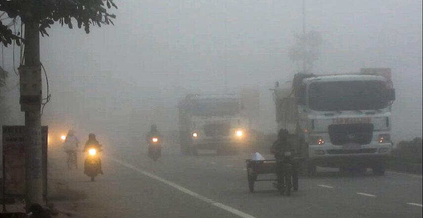 5 sai lầm tai hại khi lái xe trong sương mù mà ai cũng mắc phải