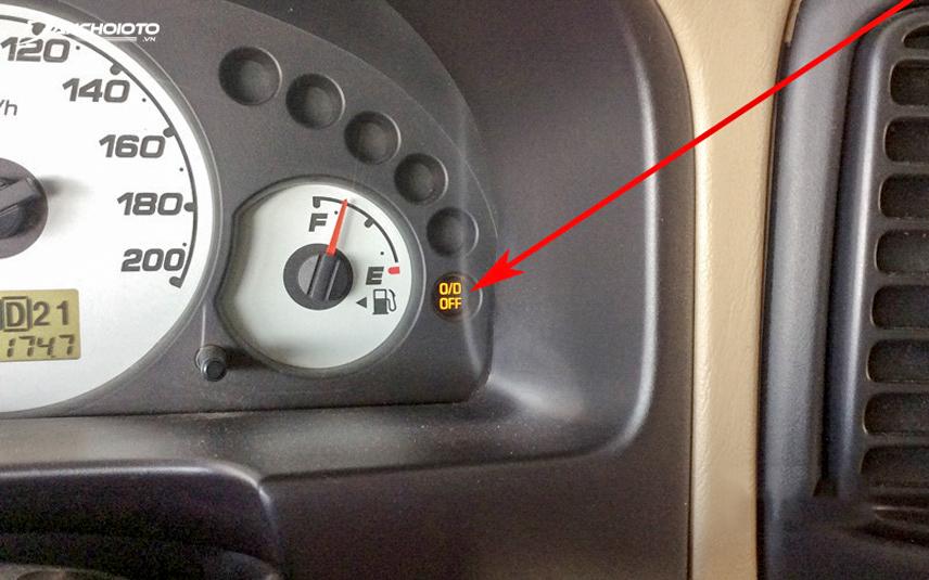 Chế độ O/D Off giúp Ford Escape vượt xe khác tốt hơn khi di chuyển trên xa lộ