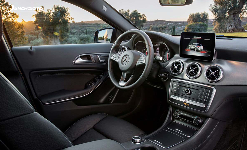 The interior of the Mercedes-Benz GLA is not inferior to the competition