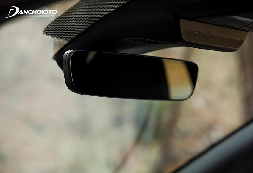 Gương chiếu hậu chống chói tự động trên Mazda 3 2020 không viền rất đẹp