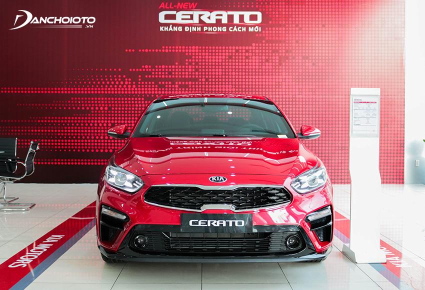 Kia Cerato có thế mạnh cạnh tranh với giá thấp nhất phân khúc trong khi trang bị, khả năng vận hành vẫn được đánh giá cao