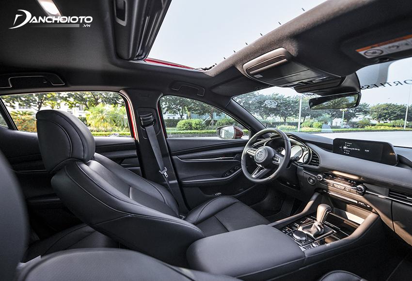 """Nội thất Mazda 3 2020 có sự """"lột xác"""" đem đến một diện mạo sang trọng và cao cấp hơn"""