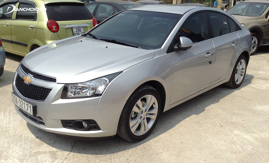 Chevrolet Cruze is a striking 300 million Chevrolet model with solid performance