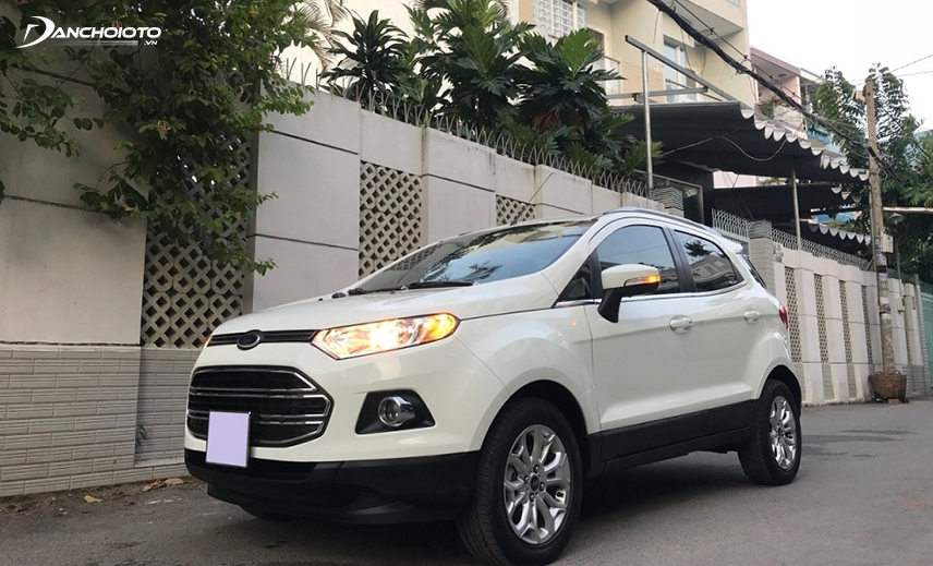 The old 2014 EcoSport 2014 - 2015 is a good choice for those who are not sure which SUV to buy 400 million