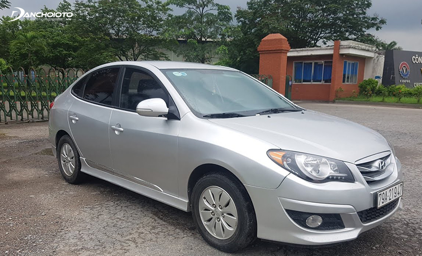 The 2015 Hyundai Avante is a good option when buying a used car worth VND 400 million