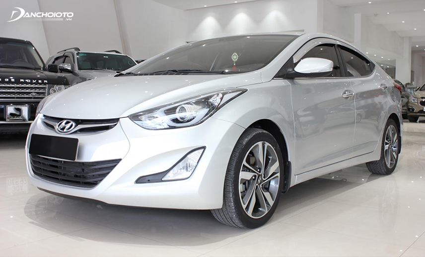 The old Hyundai Elantra 2013 - 2014 is highly appreciated in the old car segment of 400 million