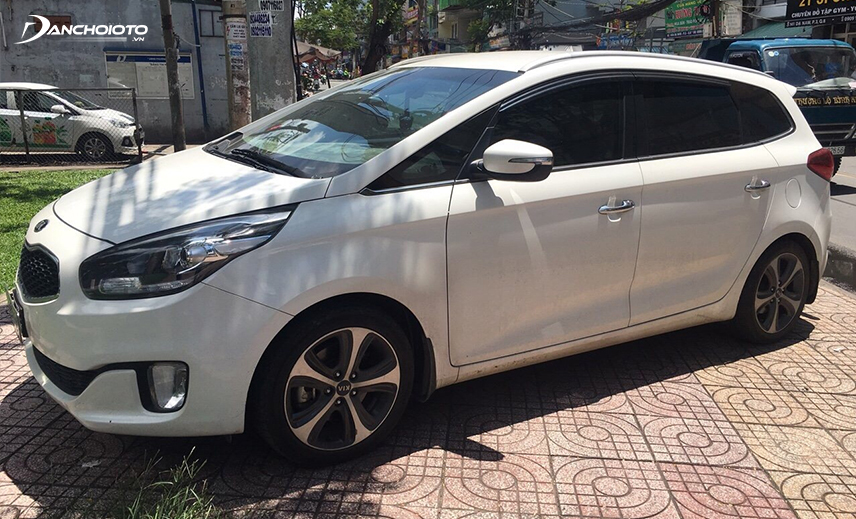 Buying a 7-seater 7-seater car can be an old Kia Rondo 2016 - 2017