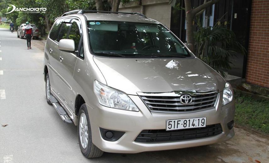 Nếu mua xe 7 chỗ cũ chạy dịch vụ thì hiển nhiên xe Toyota Innova cũ là lựa chọn kinh tế nhất