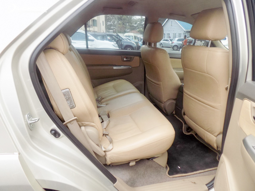 The seats are still quite good quality and do not need to cover the interior compartment
