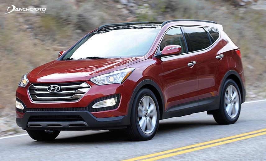 Hyundai SantaFe 2013 - 2014 là mẫu CUV 7 chỗ cũ đáng mua nhất tầm giá dưới 800 triệu