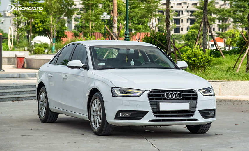 Buying an old car of 800 million, the buyer can refer to the old Audi A4 2013 model