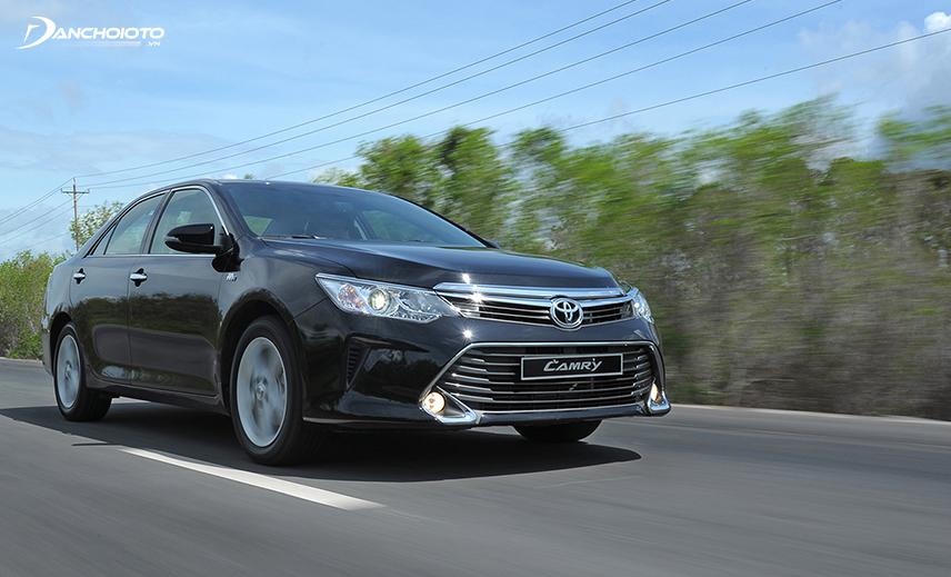 Toyota Camry cũ là mẫu xe lành tính, sang trọng nhưng có tính kinh tế cao