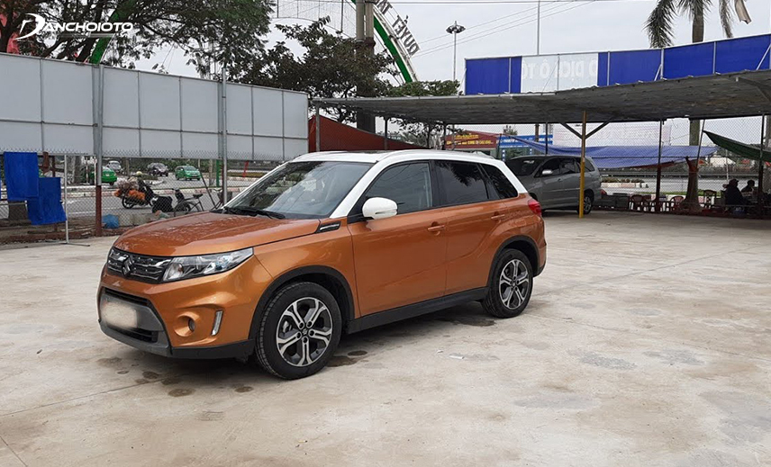 In the group of 5-seater cars with 600 million high, the old Suzuki Vitara 2015 - 2016 is a good choice