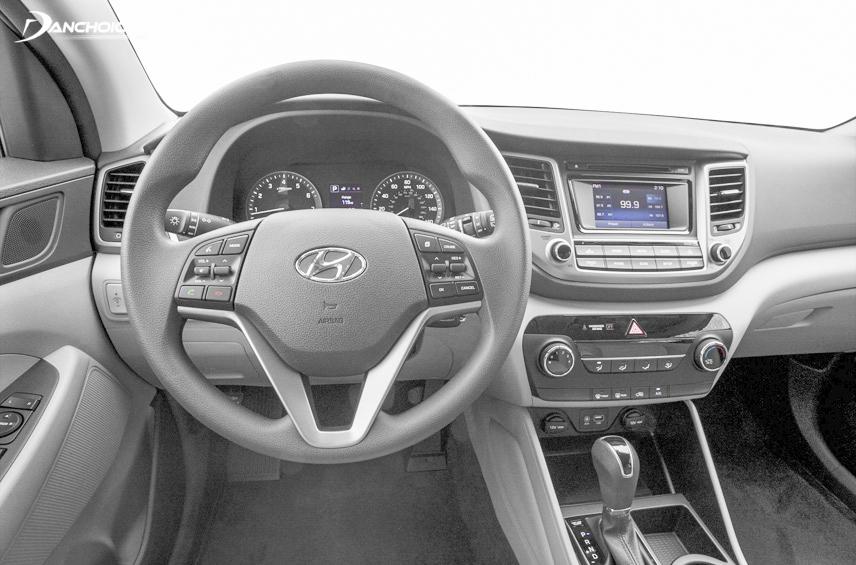3-spoke steering wheel with integrated function keys