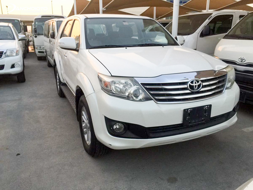 Xe Toyota Fortuner 2013