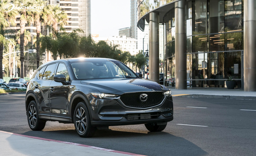 The CX-5 2018 uses a 4-wheel drive system, so it will have an advantage when traveling on difficult terrain