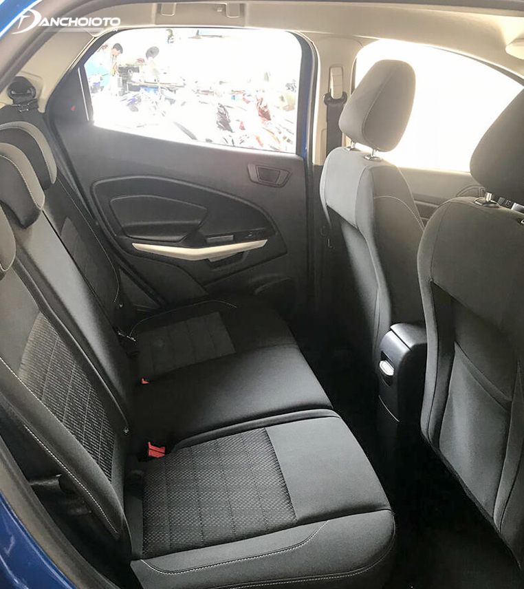 Rear seat space Ecosport 2018