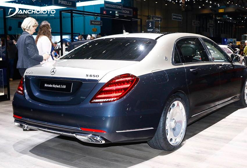 Đuôi xe Mercedes Maybach thu hút với cụm đèn hậu LED sắc sảo