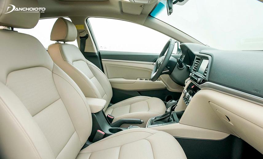 Ghế lái Hyundai Elantra có tính năng chỉnh điện 10 hướng