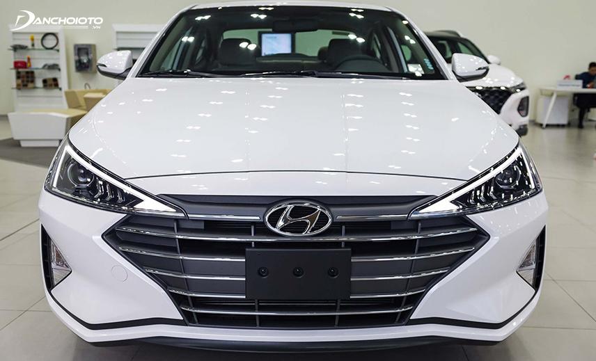 Không ít trường hợp người mua xe Hyundai Elantra mới gặp trục trặc ở cảm biến trước của xe