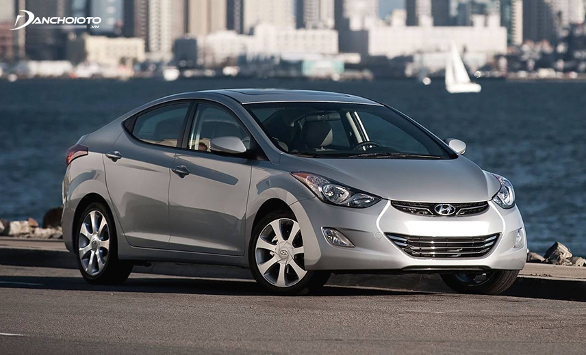 In 2013, Hyundai Elantra was launched in Vietnam, which was imported from Korea