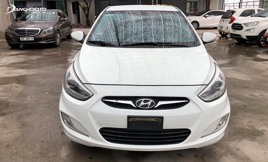 Nhiều chủ xe cho biết xe Hyundai Accent có vỏ xe khá mỏng, khả năng cách âm tệ nhất là với xe cũ