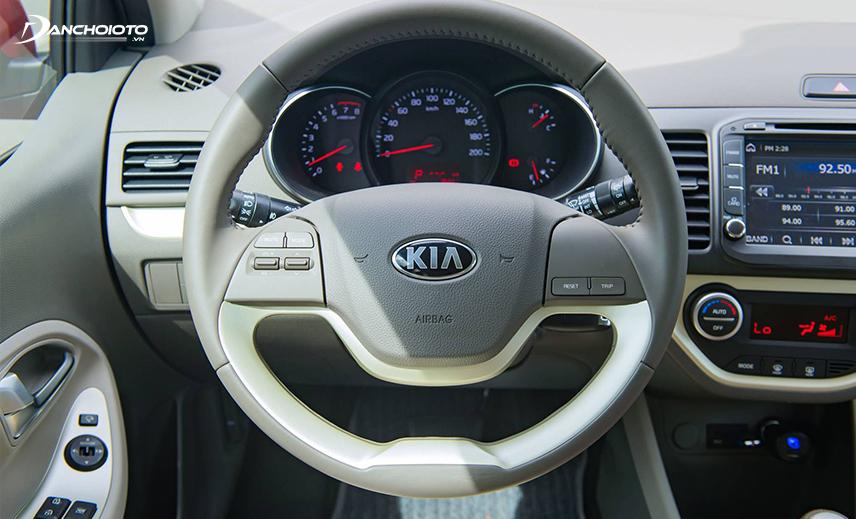 Nhiều người chạy xe Kia Morning 2016 hay than phiền vô lăng bị nặng khi vào số 1