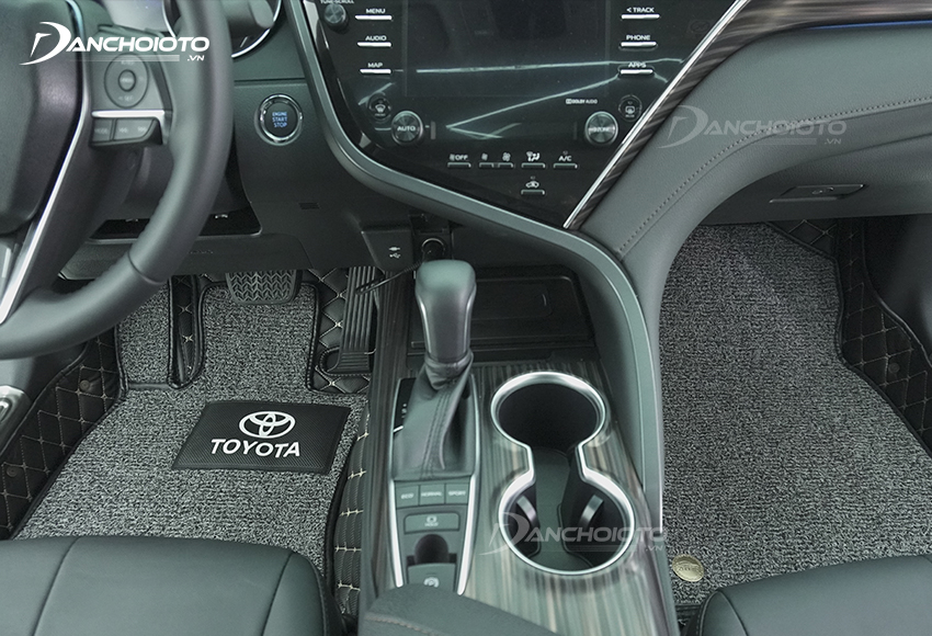 Thảm trải sàn oto 5D, 6D sở hữu thiết kế sang trọng, mang đến cảm giác cao cấp