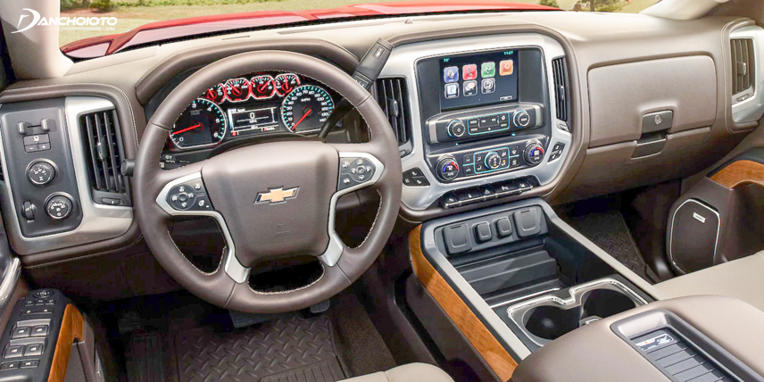 Chevrolet Silverado 2018 has a modern entertainment system