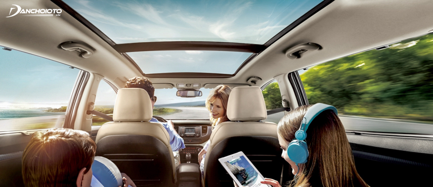 Kia Rondo 2018 is equipped with Panoramic sunroof
