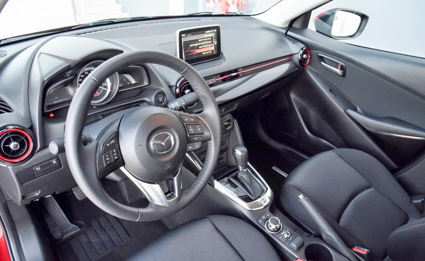 Mazda 2 2018 có hệ thống giải trí hiện đại hàng đầu phân khúc