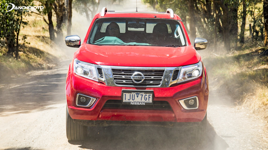 The grille cluster on Navara 2018