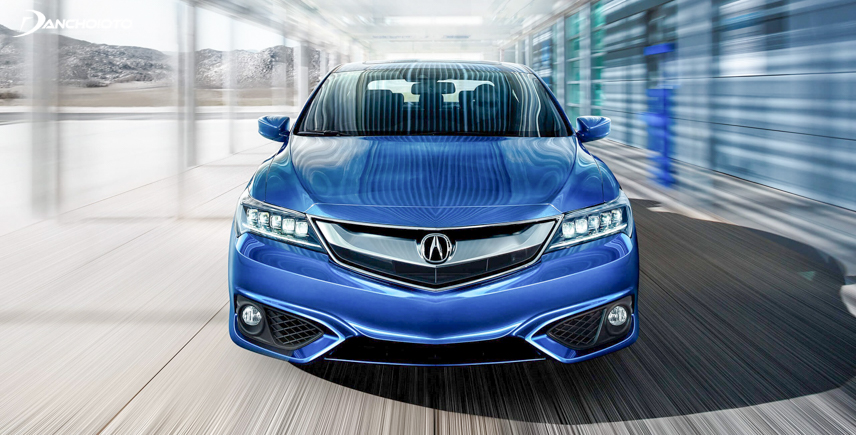 The front of the Acura ILX 2018 is strong and muscular with floating veins running along the capo cap