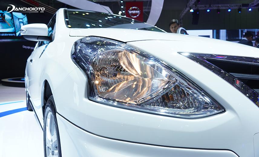 Đèn xe Sunny 2020