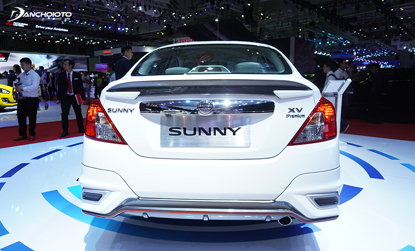 The rear of the Nissan Sunny 2020 features a shiny chrome bar in the middle