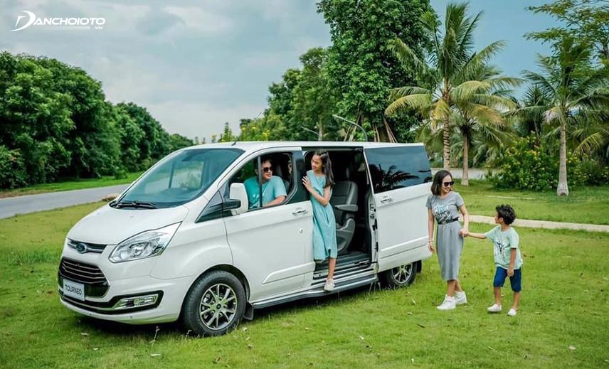 Ford Tourneo là sự lựa chọn tốt cho nhu cầu mua xe gia đình hay xe doanh nghiệp