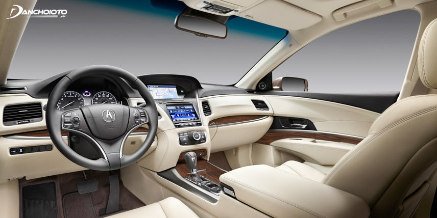 The entertainment system includes 2 large screens on the 2018 Acura RLX