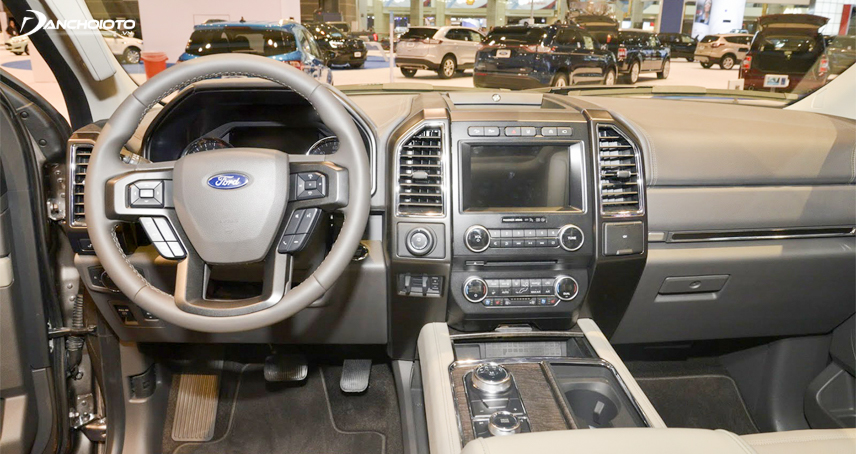 Infotainment system on Ford Expedtion 2018