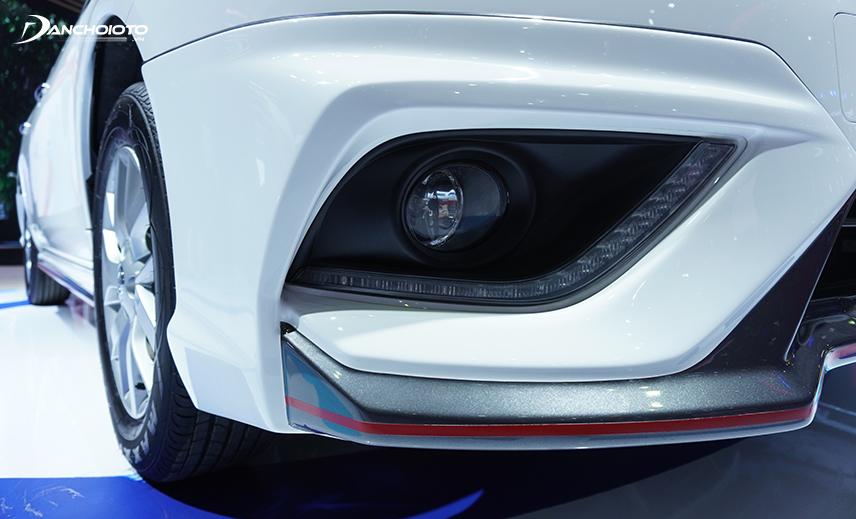 Hốc đèn sương mù Nissan Sunny 2020