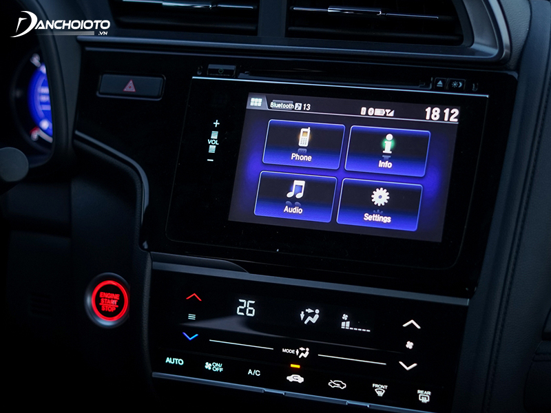 Honda Jazz RS and G versions are equipped with 7-inch touch screen