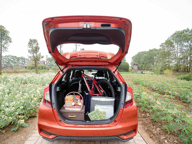2020 Honda Jazz luggage compartment volume of 359L