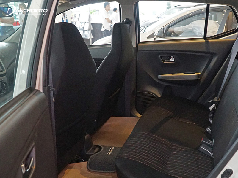 Không gian để chân ở ghế trước Toyota Wigo 2020 lớn