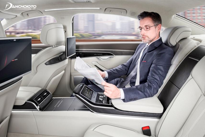 Interior space of Audi Q7 2019