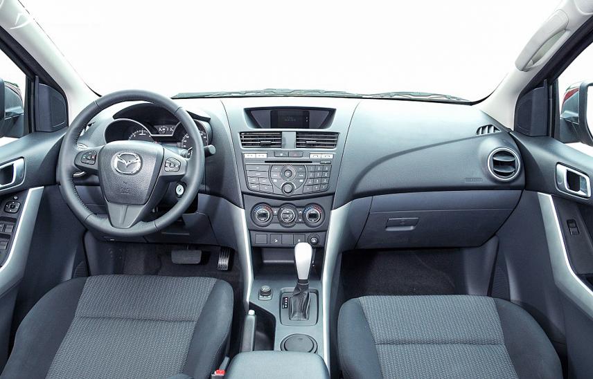 Interior space of Mazda BT-50 2018