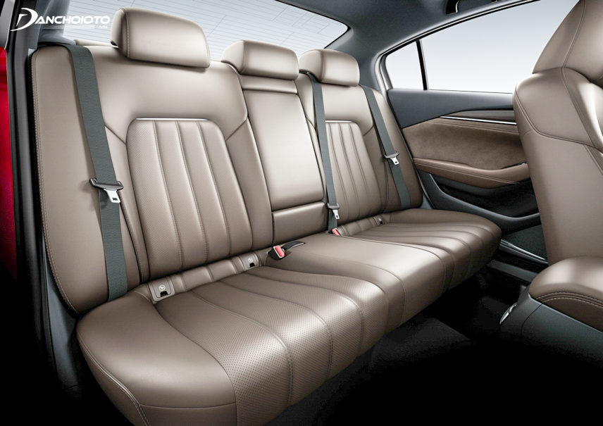 Interior space on the Mazda 6 2018