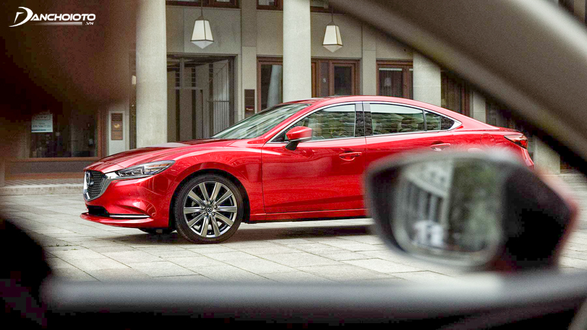 Mazda's D-class sedan for stable performance at high speeds