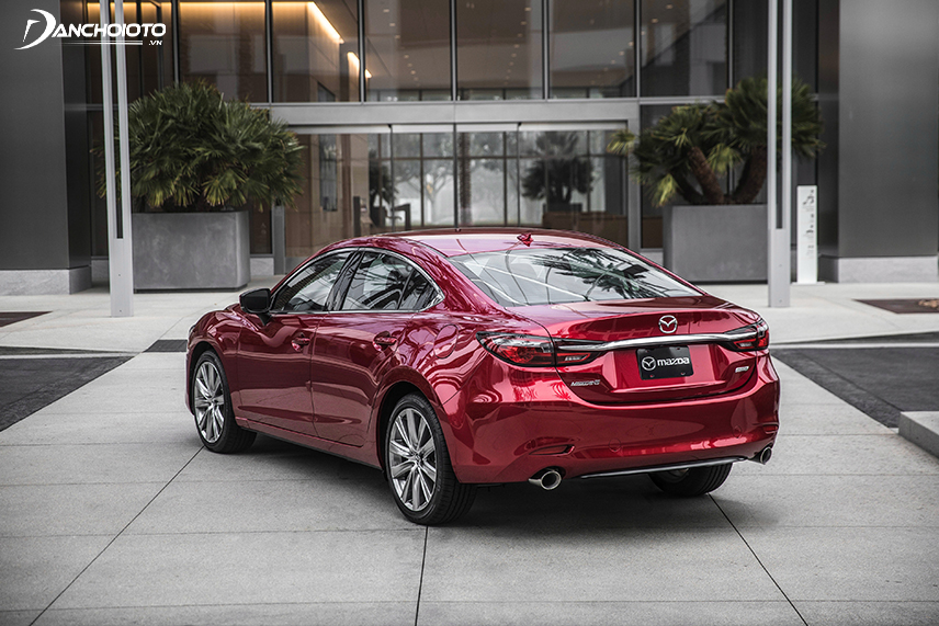 Mazda 6 owns taillights with a modern design