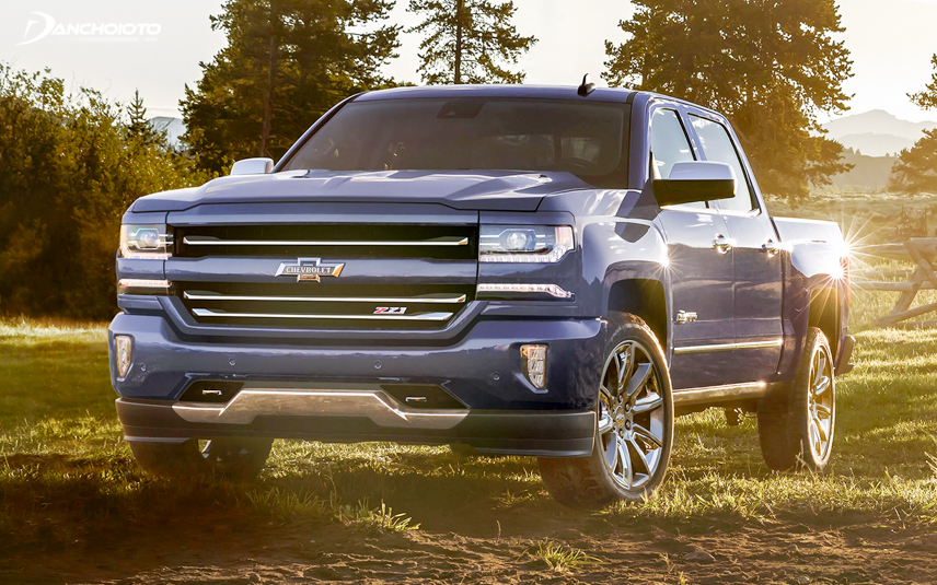 The first part of Chevrolet Silverado 2018
