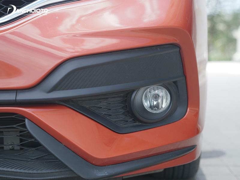 The Honda Jazz RS version adds fog lights